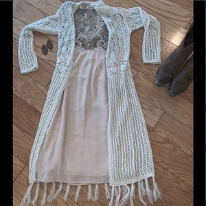 👢 Long sweater duster with fringe